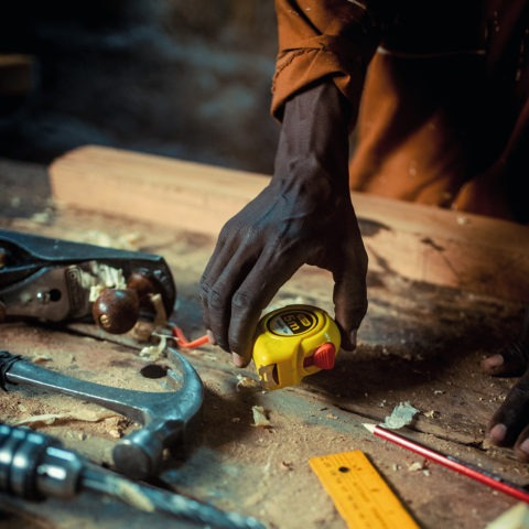 L'atelier de Julius Okoth ©Backdrop